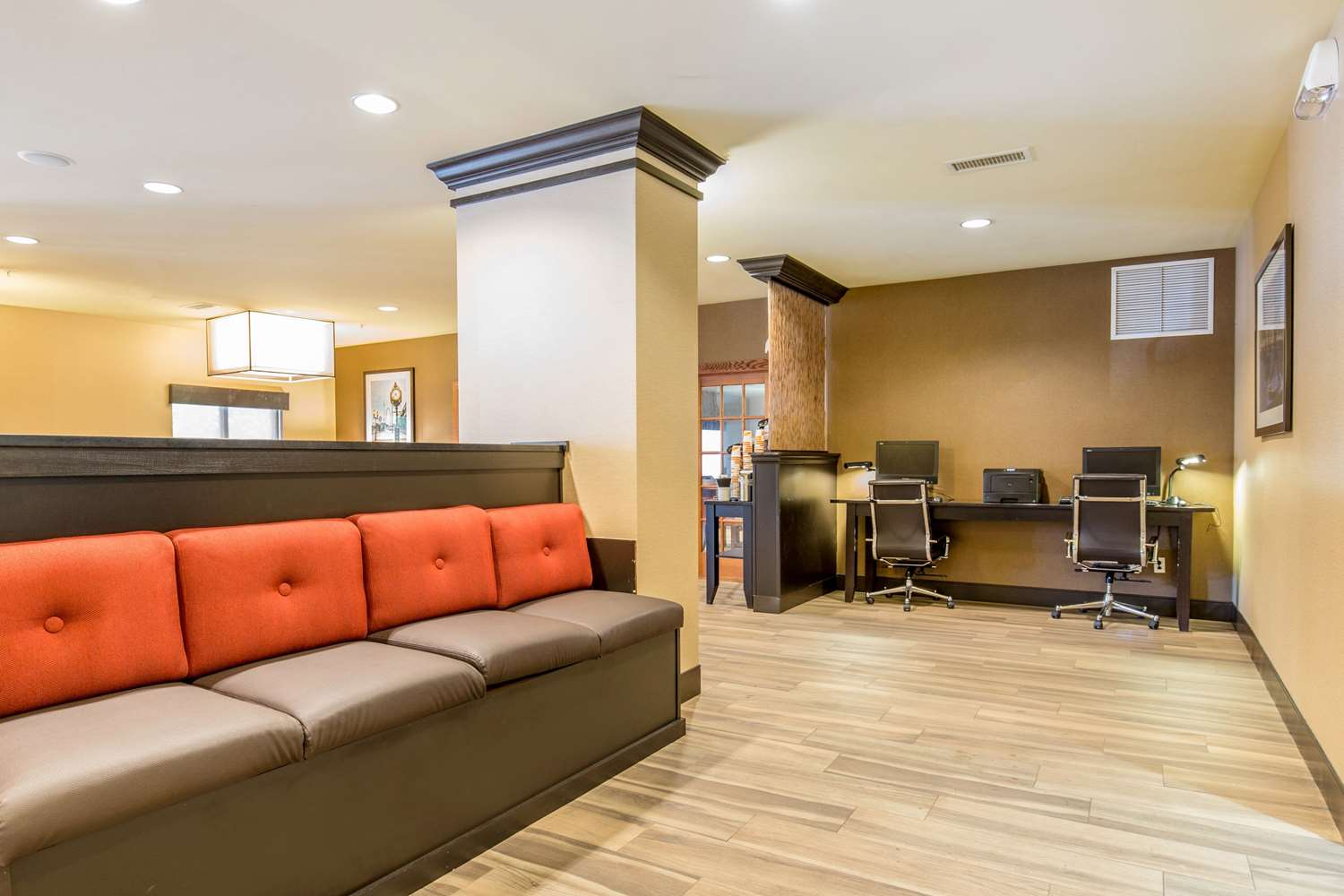 Lobby - Comfort Suites Fairview Heights