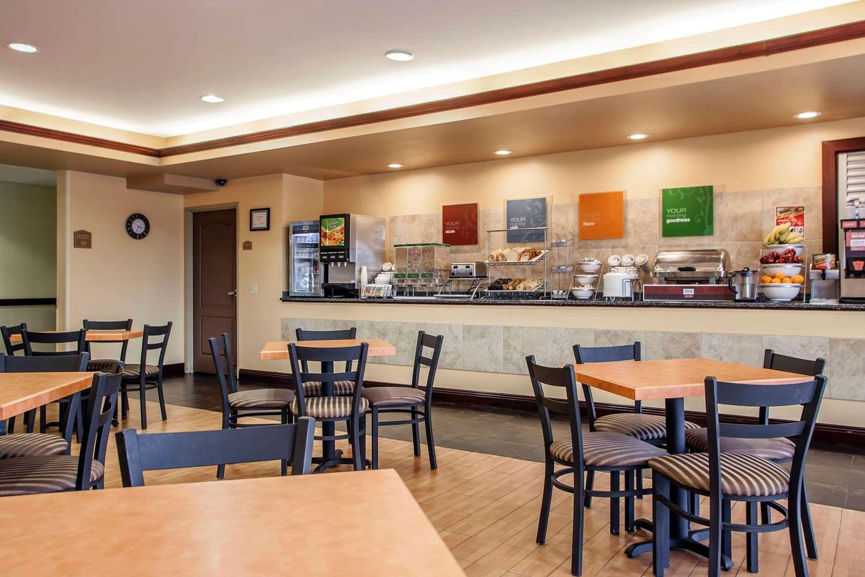 Restaurant - Comfort Suites Elgin