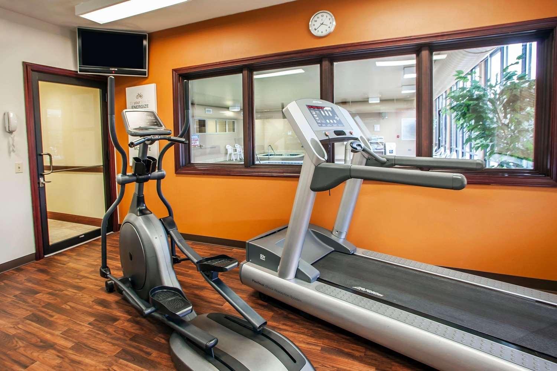 Fitness/ Exercise Room - Comfort Suites Elgin