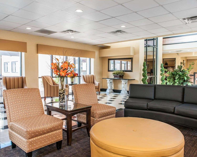Lobby - Quality Inn & Suites Mattoon