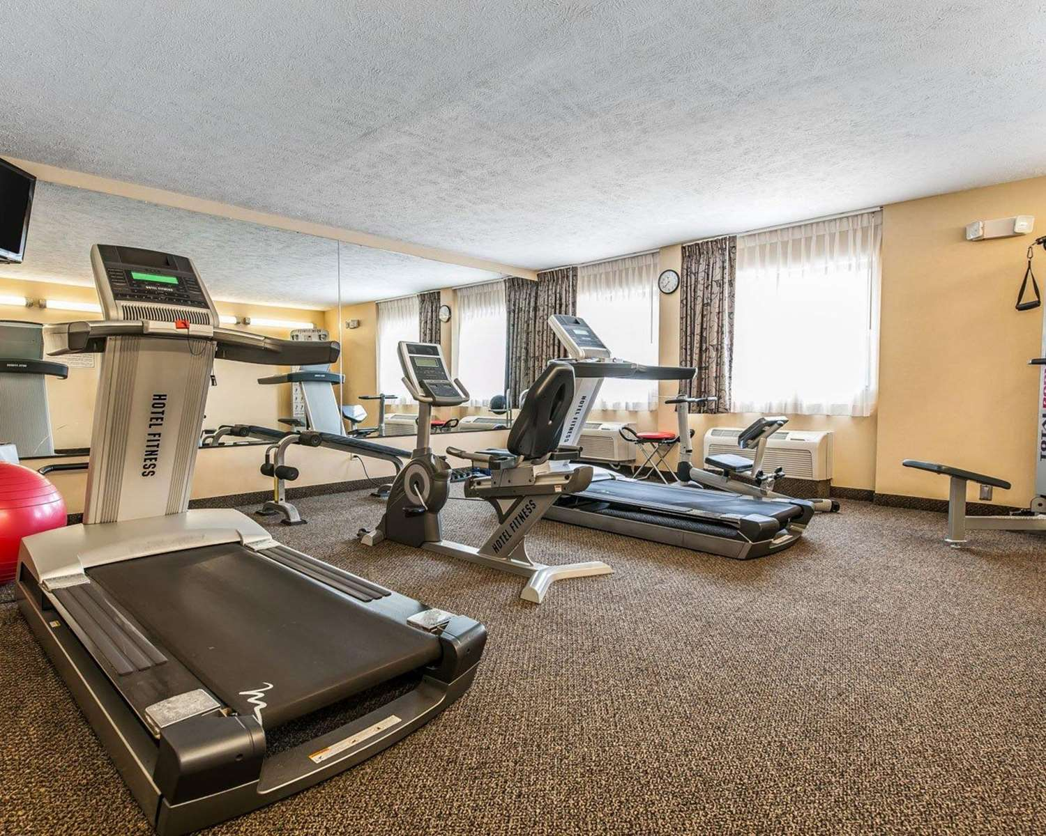 Fitness/ Exercise Room - Quality Inn & Suites Mattoon