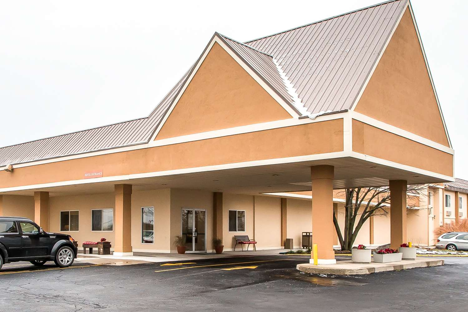 Exterior view - Quality Inn Morris