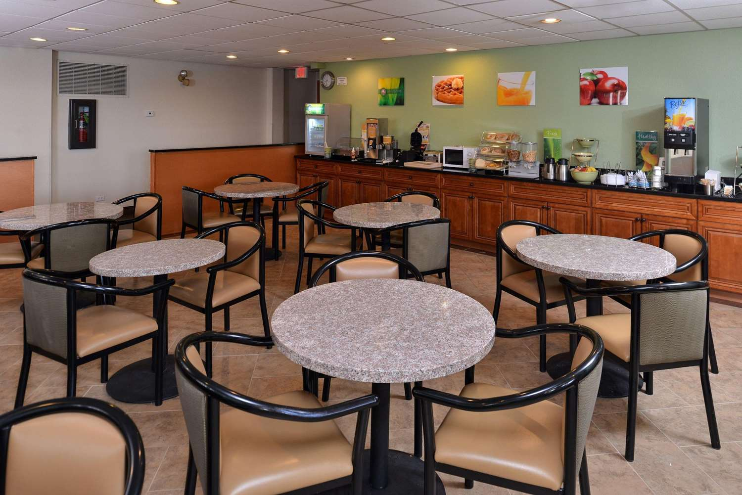 Restaurant - Quality Inn & Suites Matteson