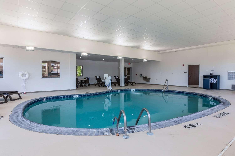 Pool - Comfort Inn Edwardsville