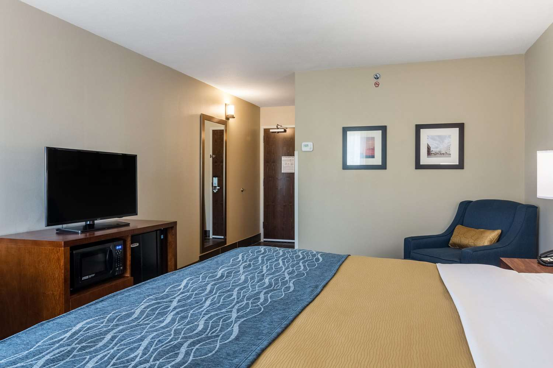 Room - Comfort Inn Edwardsville