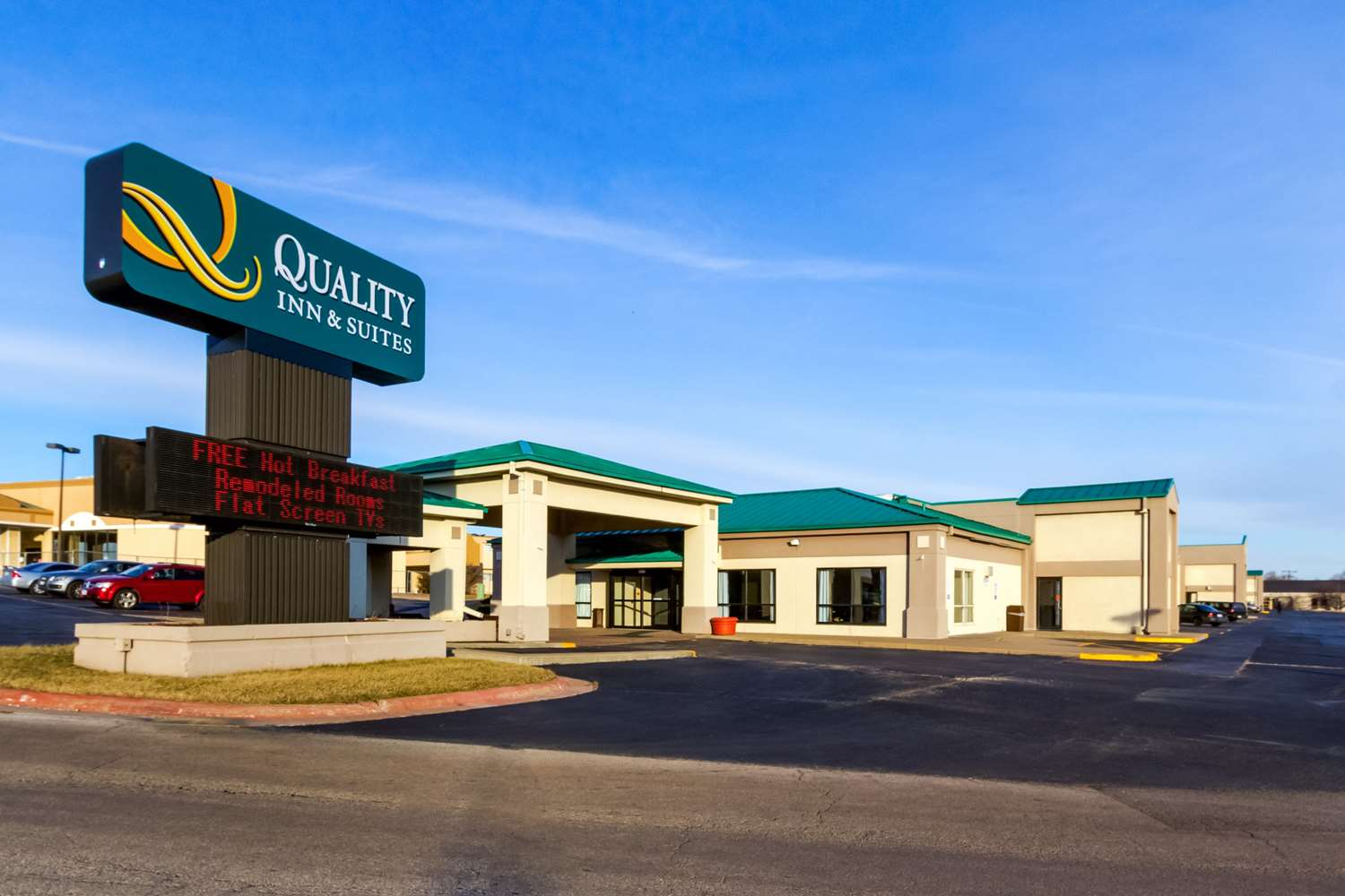 Exterior view - Quality Inn & Suites Moline