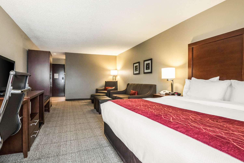 Room - Comfort Inn Ottawa