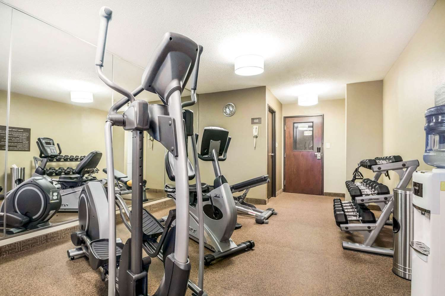 Fitness/ Exercise Room - Comfort Inn Ottawa