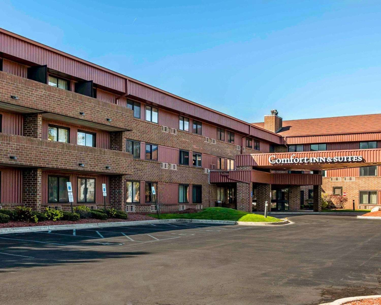 Exterior view - Comfort Inn & Suites North Indianapolis