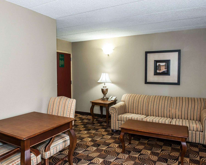 Suite - Comfort Inn & Suites North Indianapolis