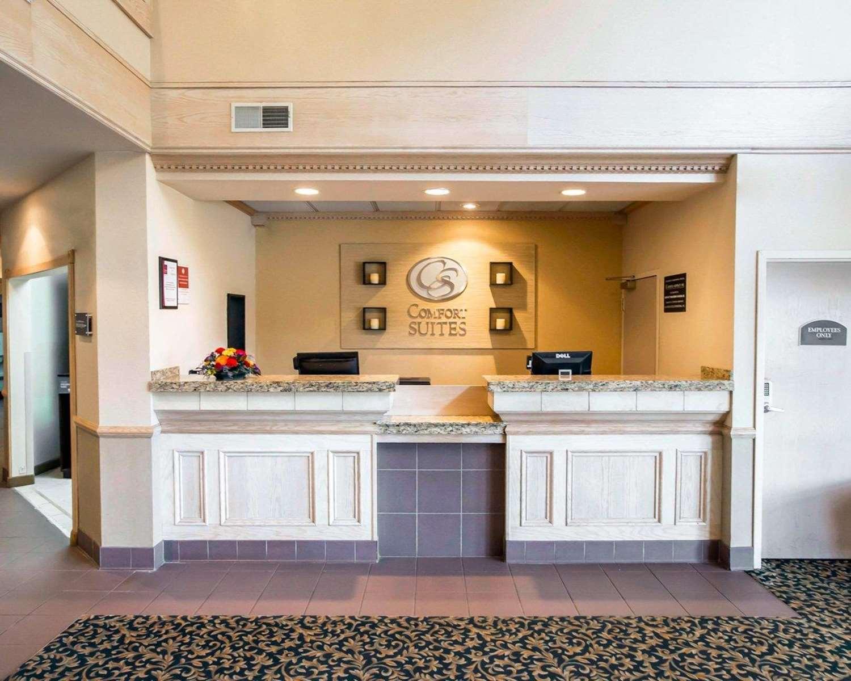 Lobby - Comfort Suites Notre Dame University South Bend