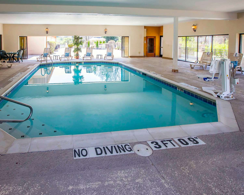 Pool - Comfort Suites Notre Dame University South Bend