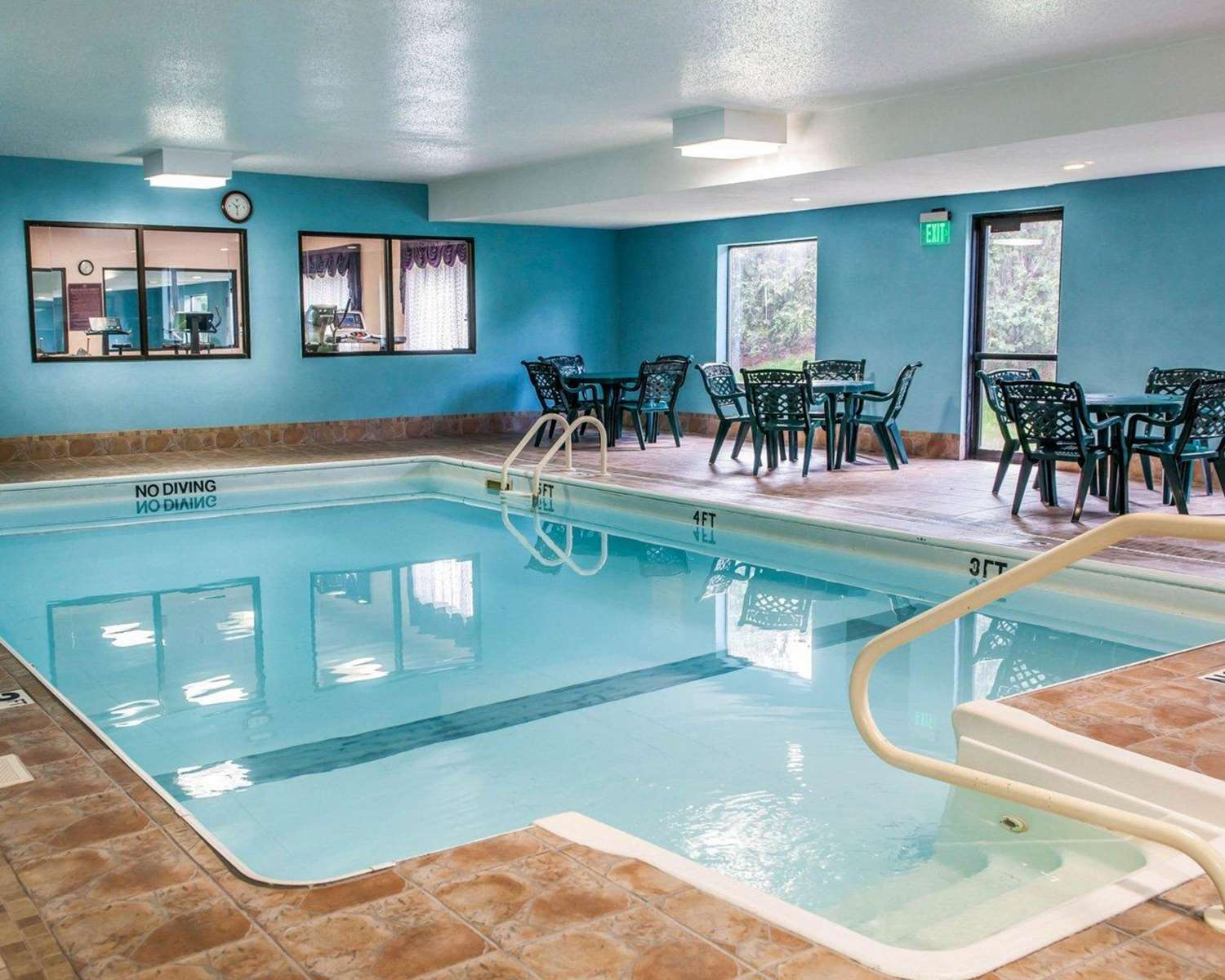Pool - Quality Inn & Suites South Bend