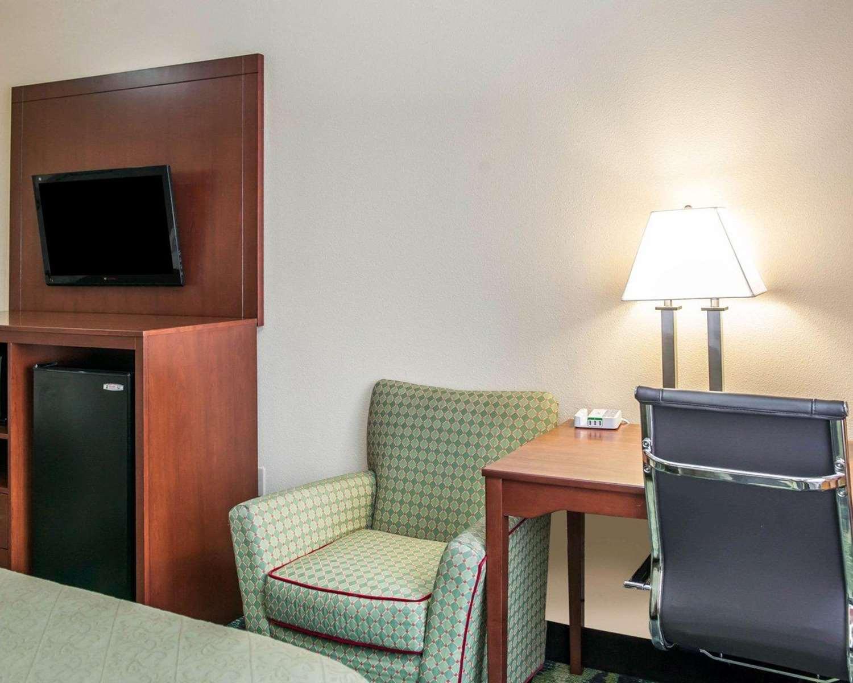 Suite - Quality Inn & Suites South Bend