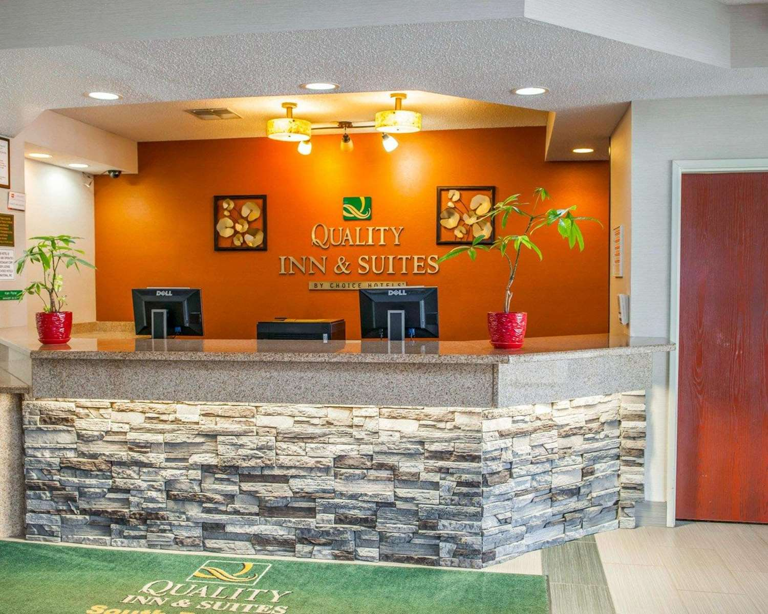 Lobby - Quality Inn & Suites South Bend