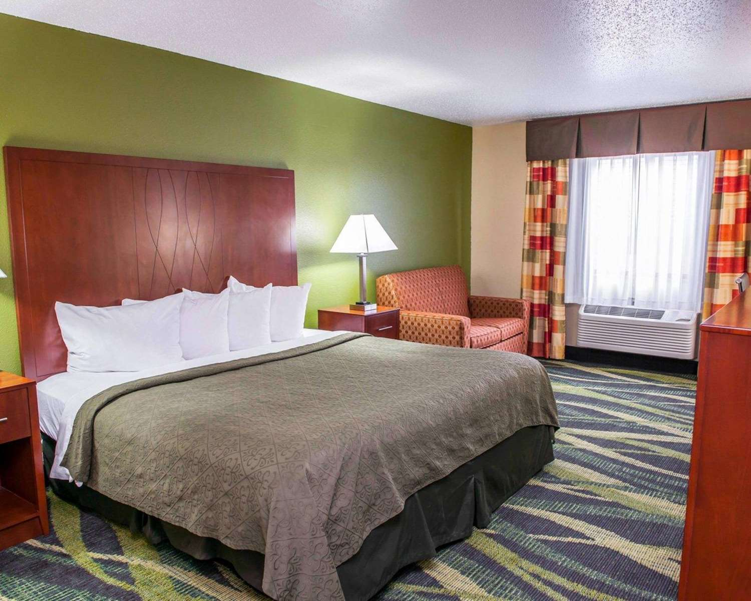 Room - Quality Inn & Suites South Bend