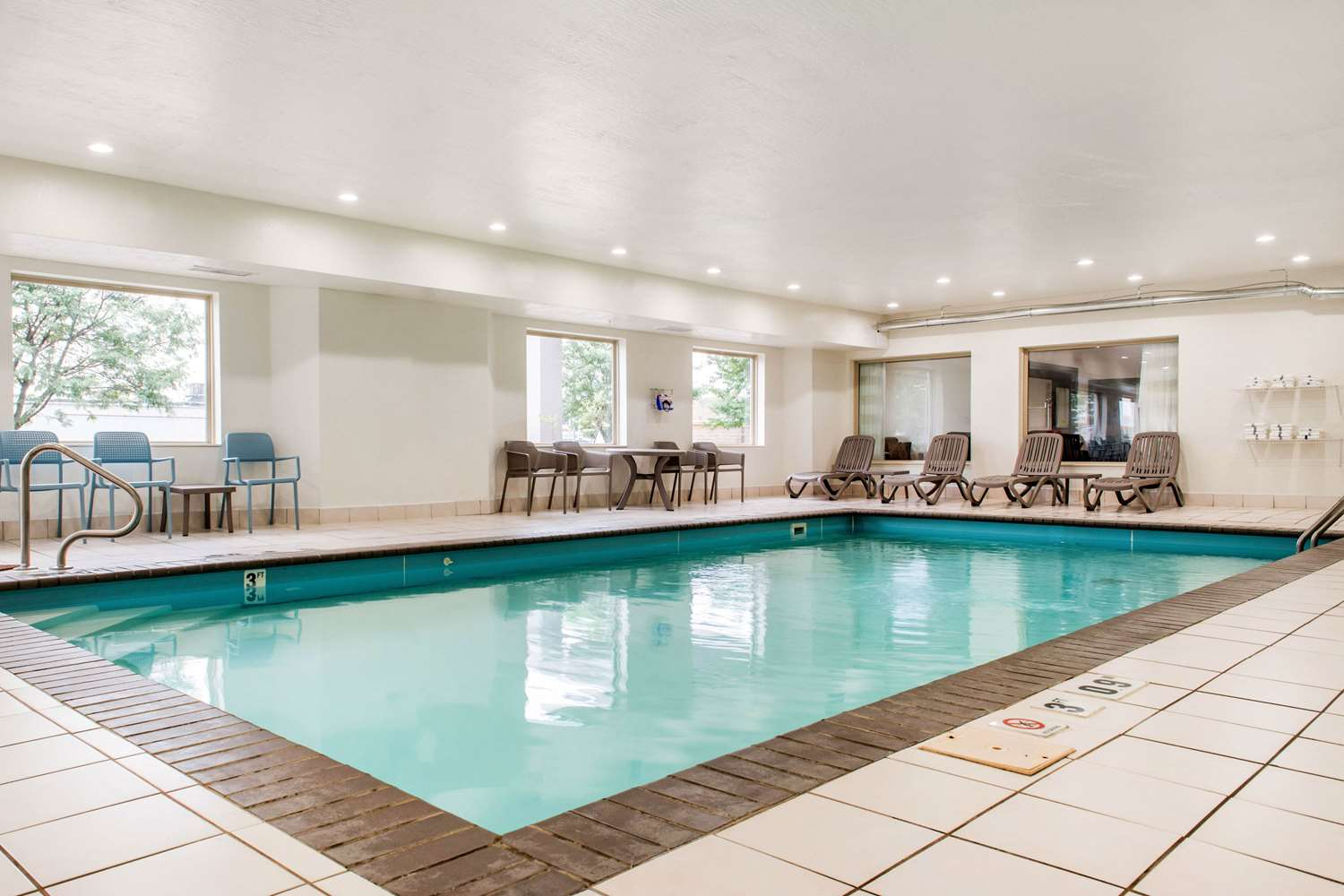 Pool - Sleep Inn & Suites Columbus
