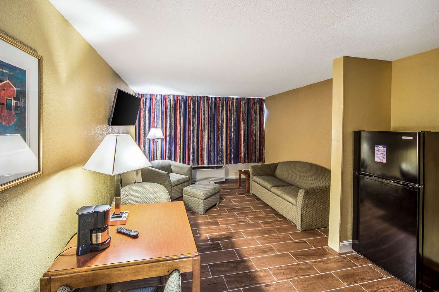 Room - Suburban Extended Stay Hotel Fort Wayne