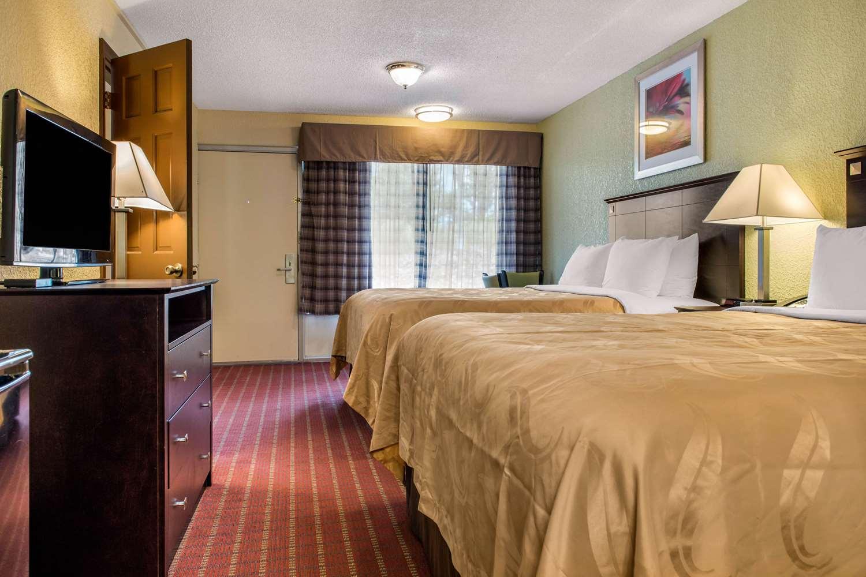 Suite - Quality Inn Huntingburg
