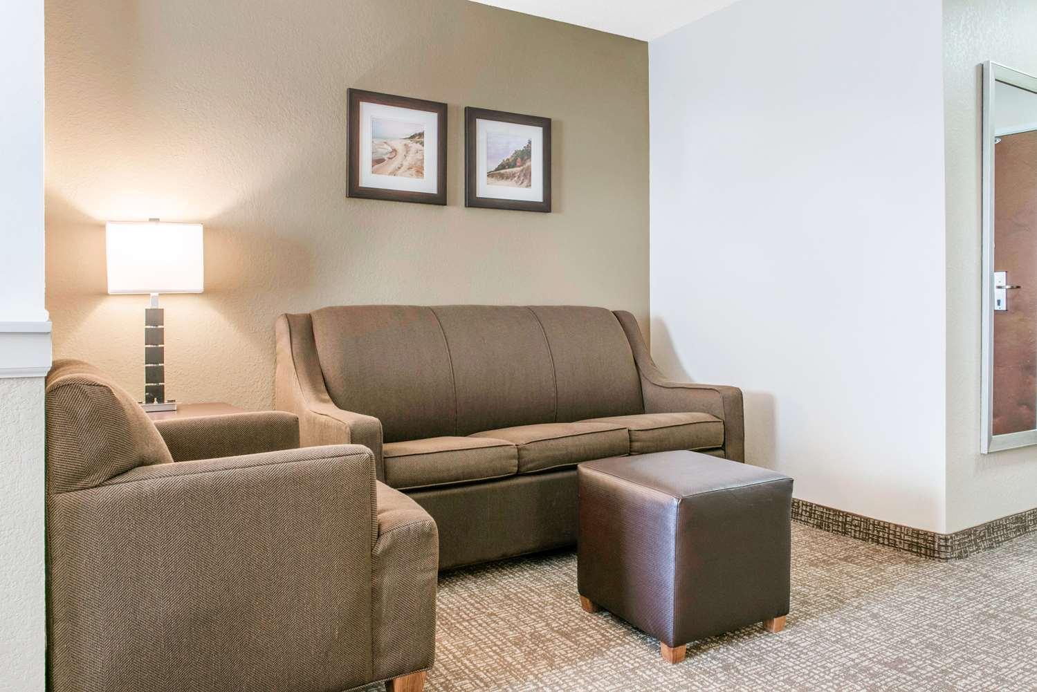 Suite - Comfort Inn & Suites Porter