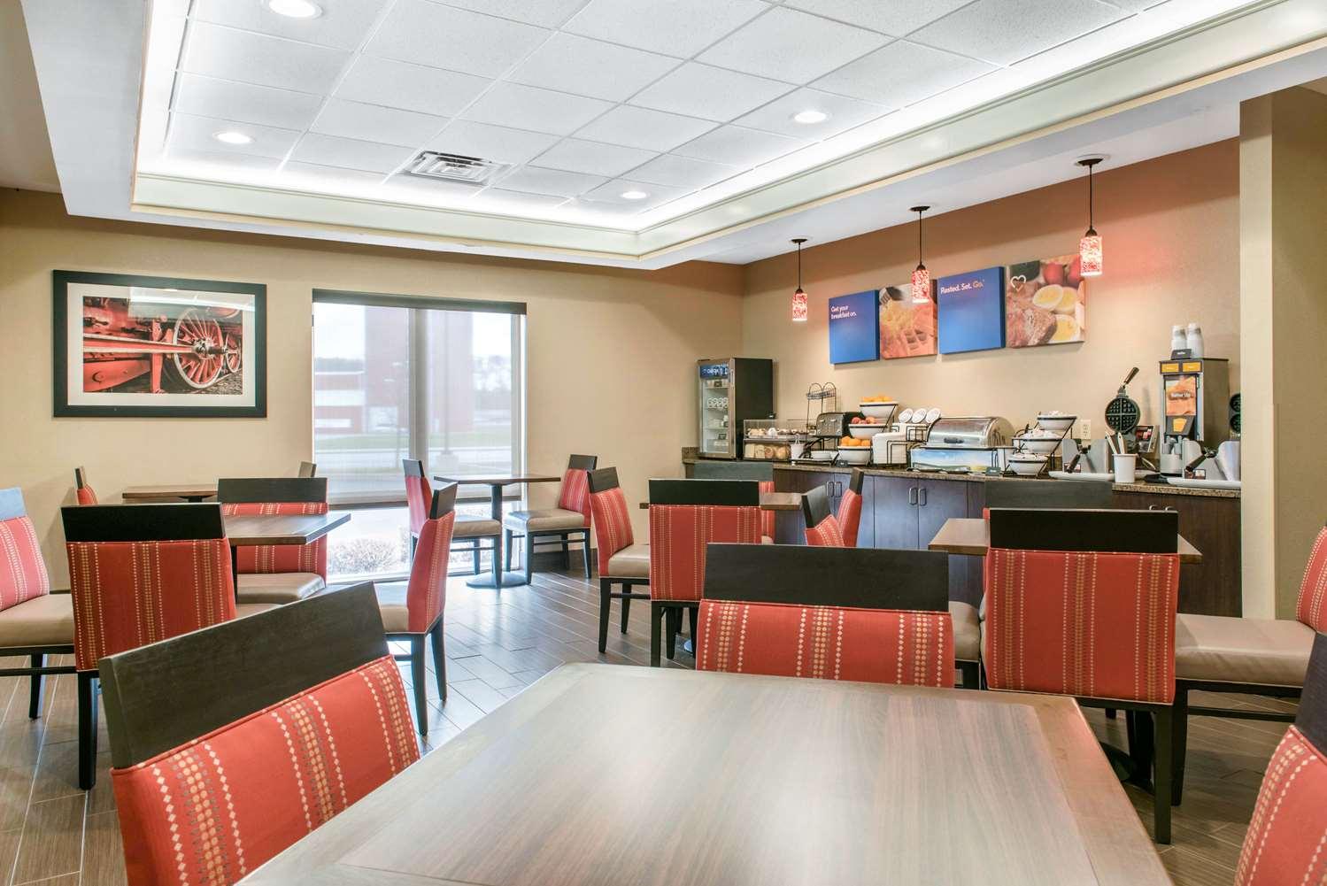 Restaurant - Comfort Inn & Suites Porter