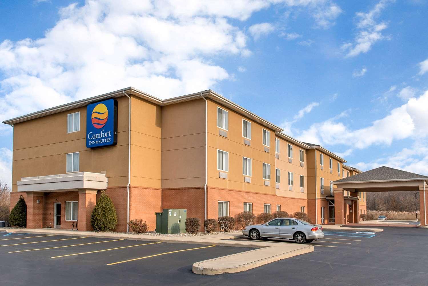 Exterior view - Comfort Inn & Suites Porter