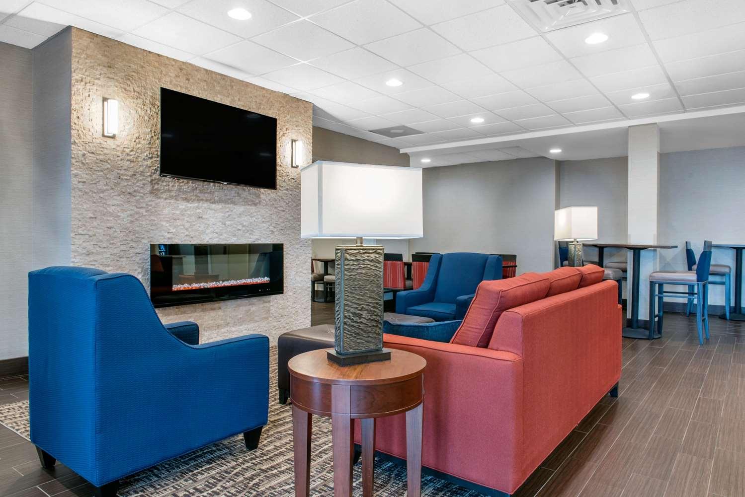 Lobby - Comfort Inn & Suites Porter