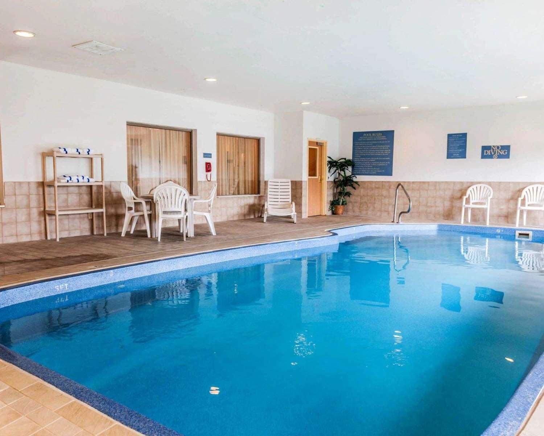 Pool - Comfort Inn Avon