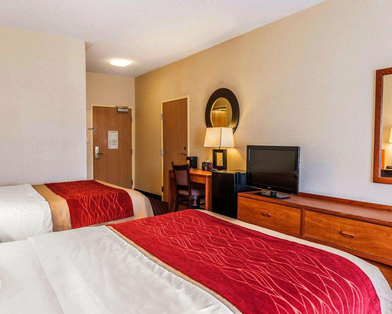 Room - Comfort Inn Avon