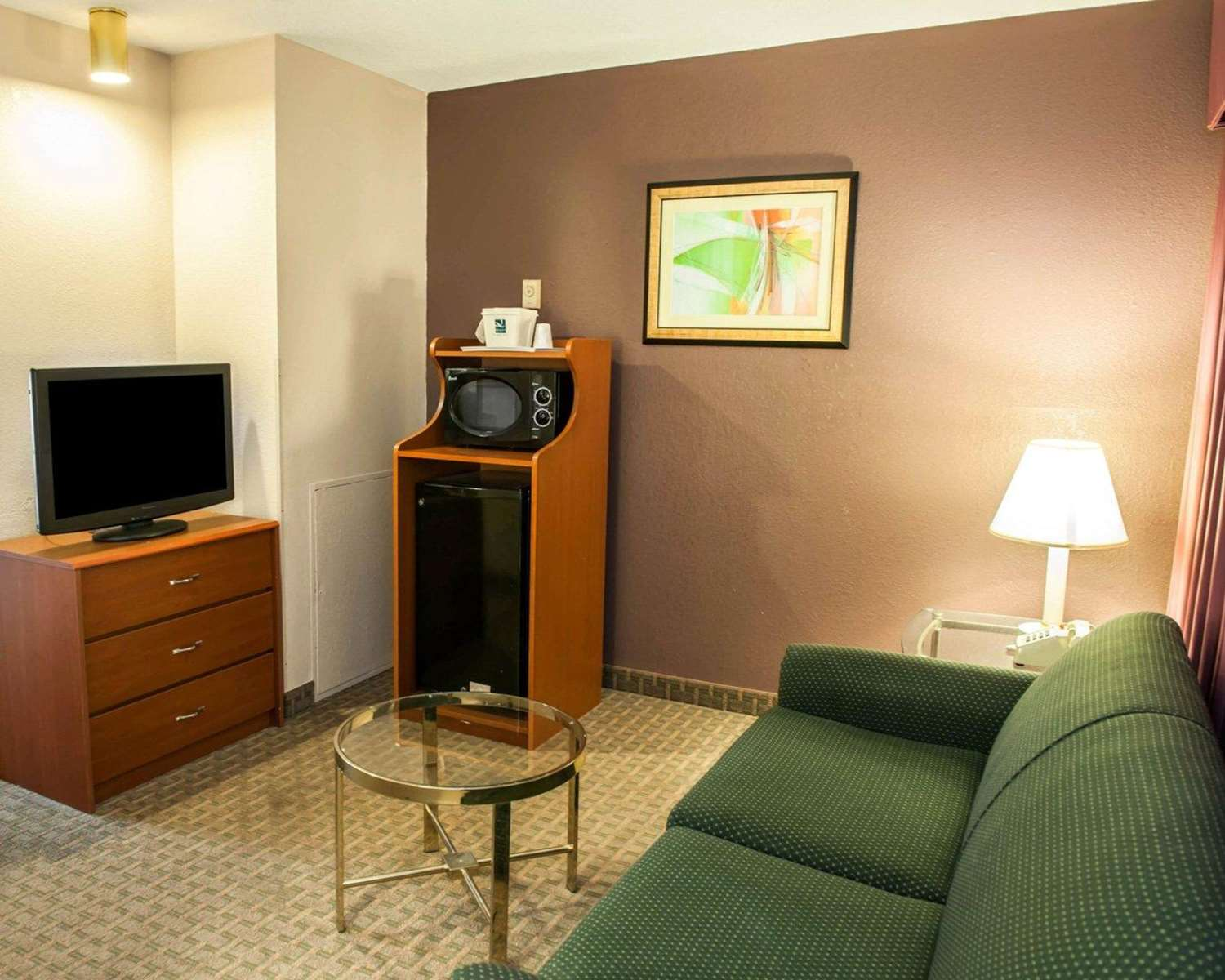 Suite - Quality Inn & Suites Speedway Indianapolis