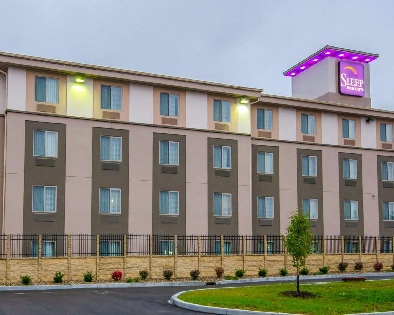 Exterior view - Sleep Inn & Suites & Conference Center Indianapolis