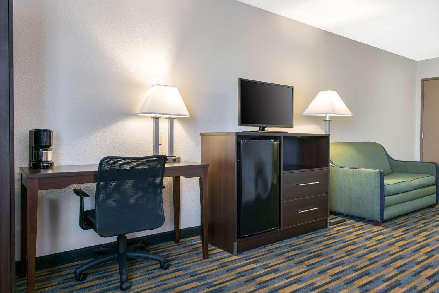 Suite - Quality Inn Noblesville