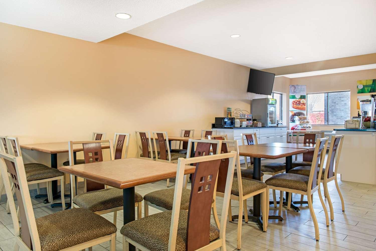 Restaurant - Quality Inn Noblesville