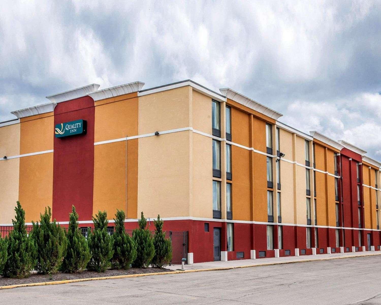 Exterior view - Quality Inn Terre Haute