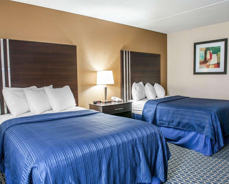 Room - Quality Inn Terre Haute