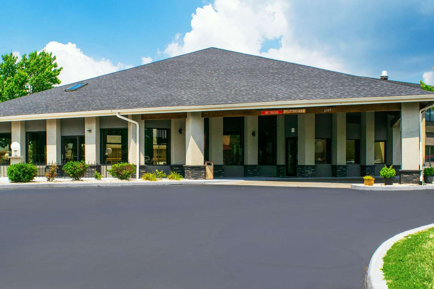 Exterior view - Quality Inn Plainfield