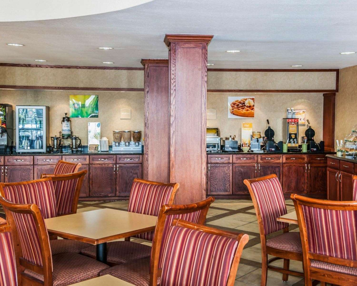 Quality Inn Castleton Indianapolis In See Discounts