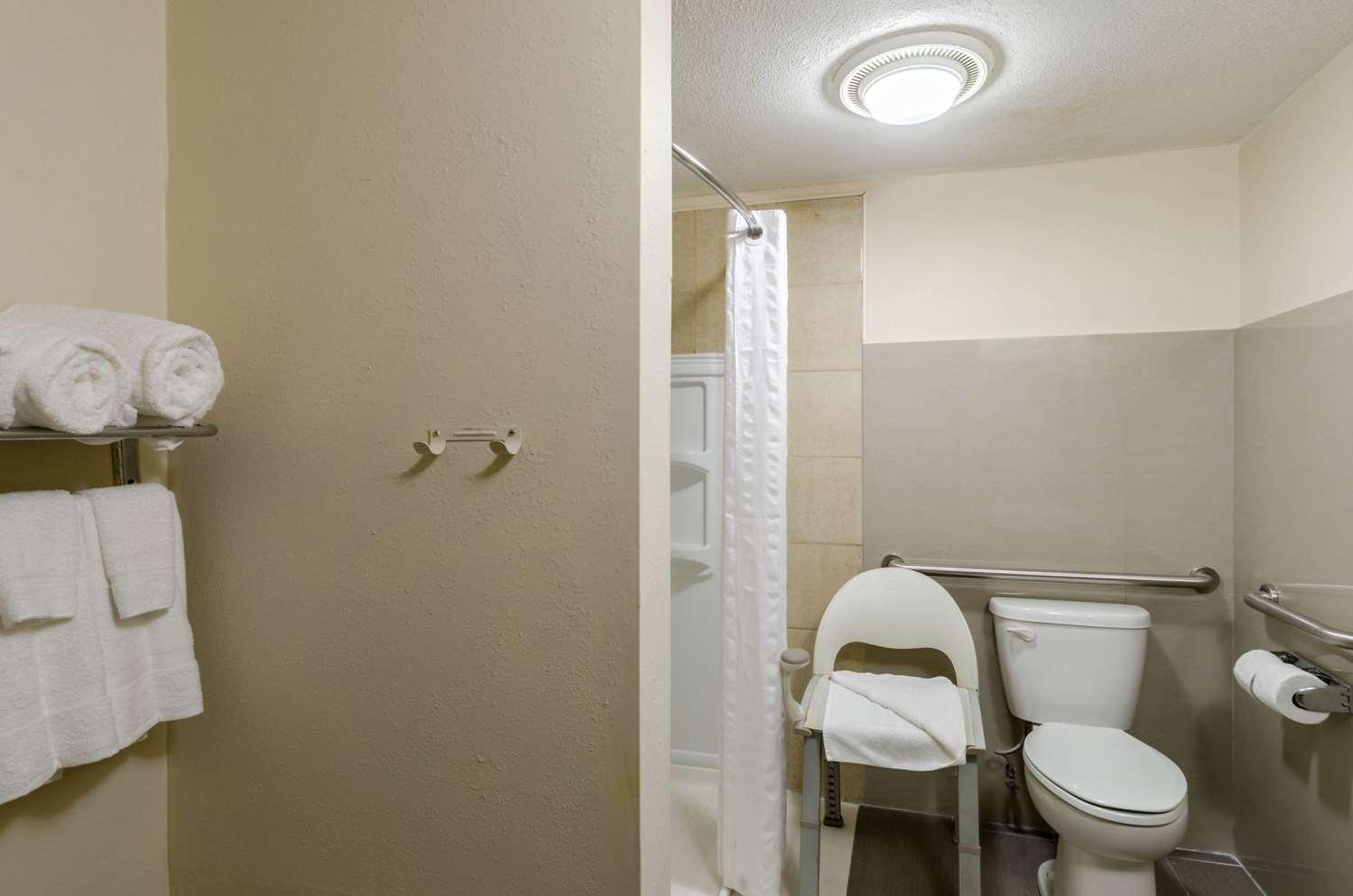 Room - Rodeway Inn Brockton