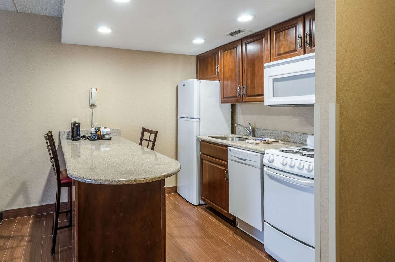 Suite - Comfort Inn & Suites West Springfield