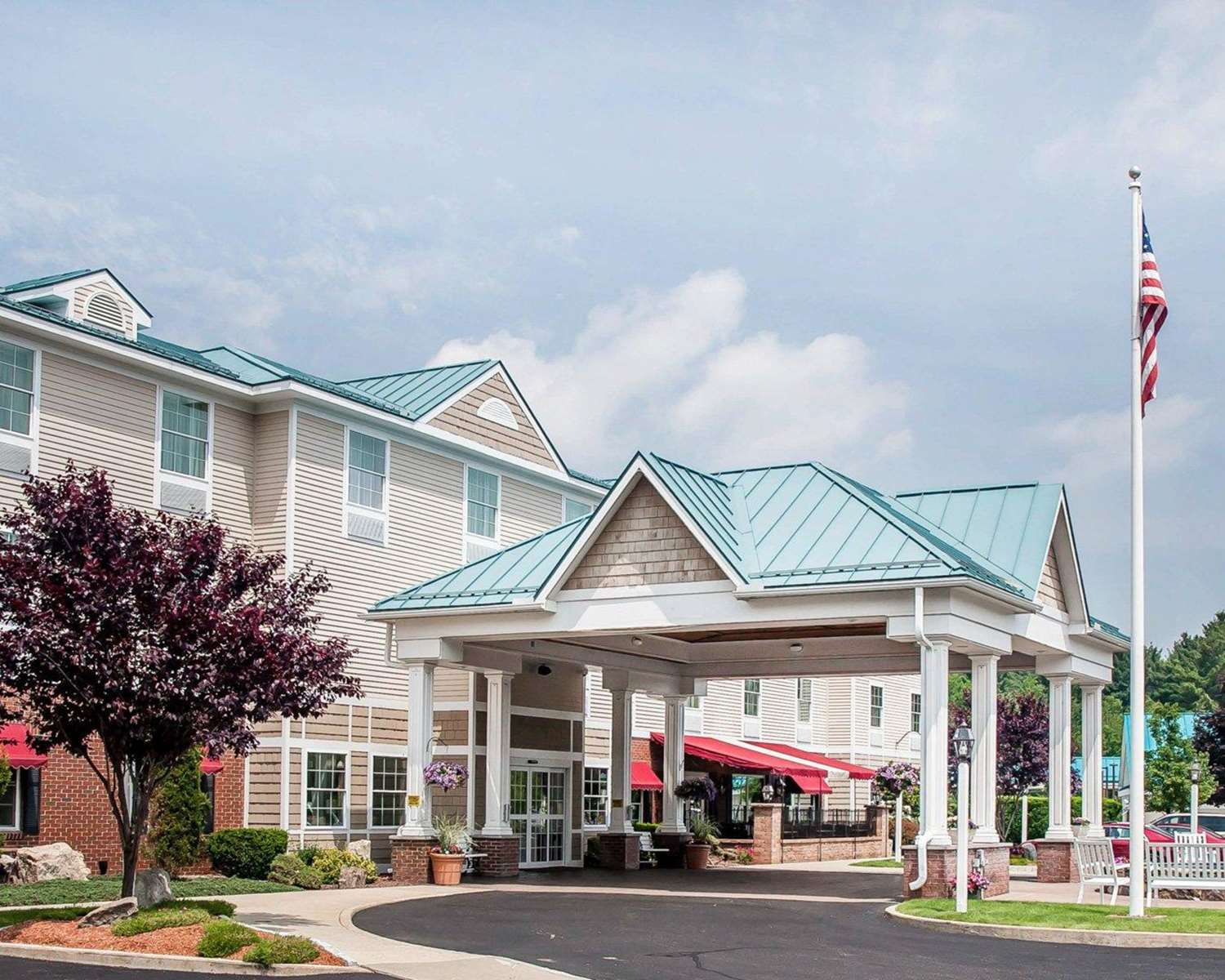 Exterior view - Comfort Inn & Suites Colonial Sturbridge