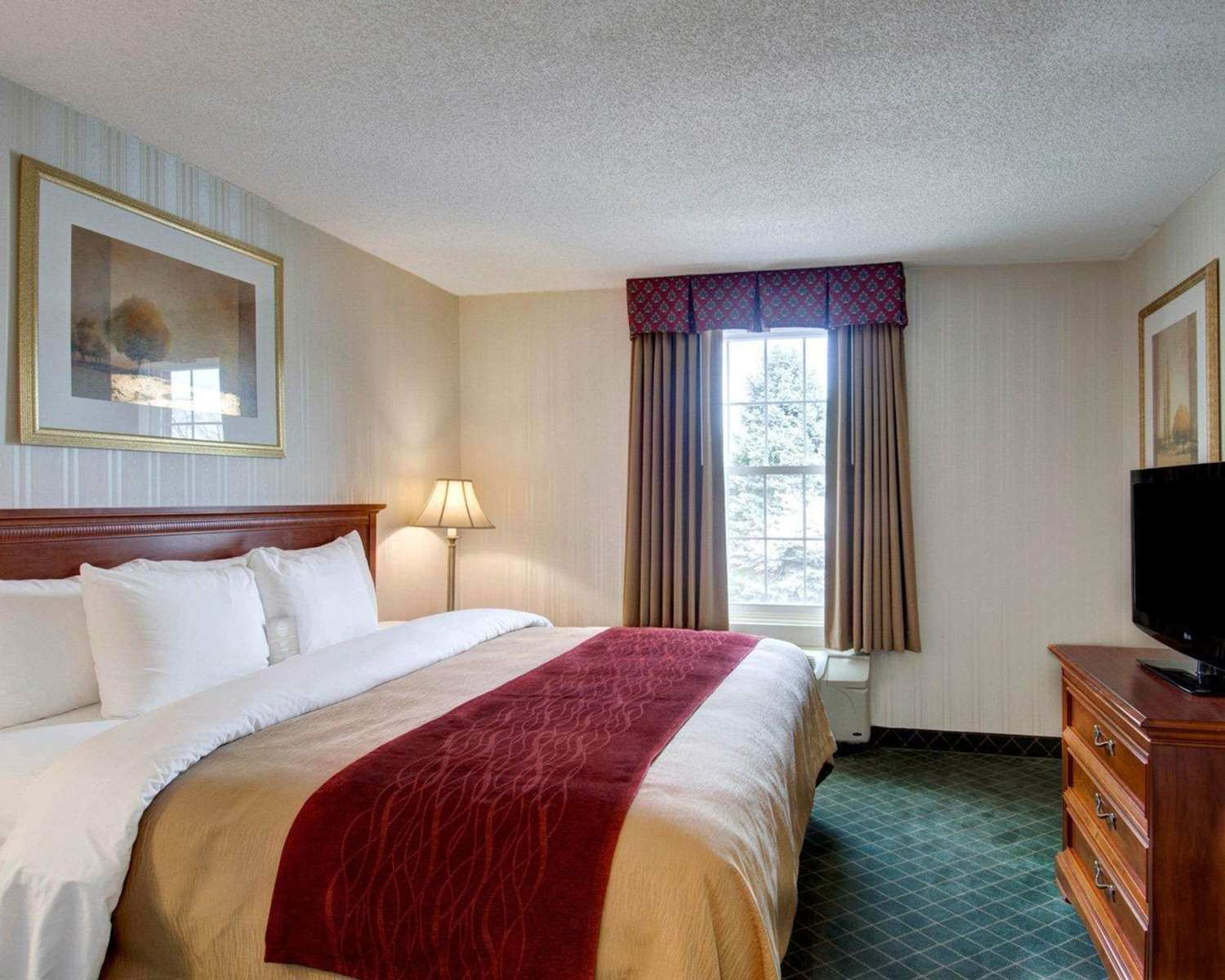 Suite - Comfort Inn Foxborough