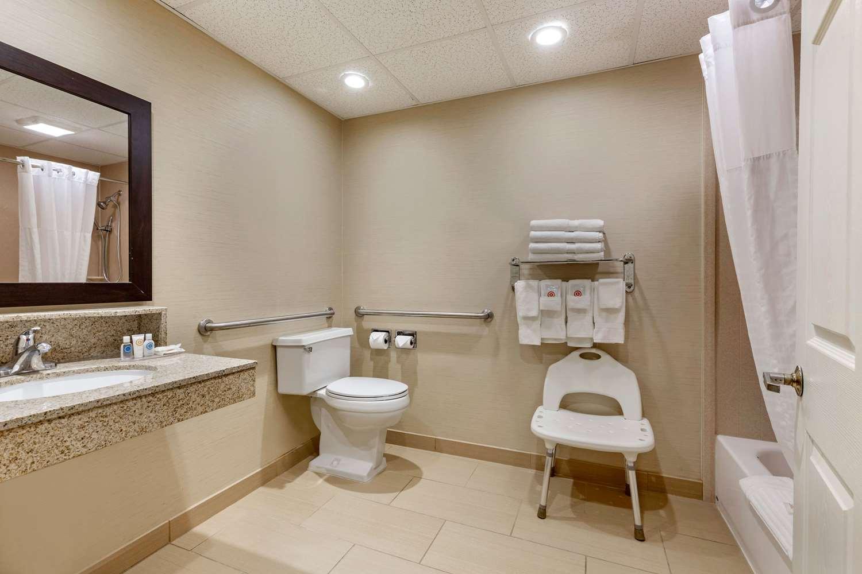 Room - Comfort Inn Auburn