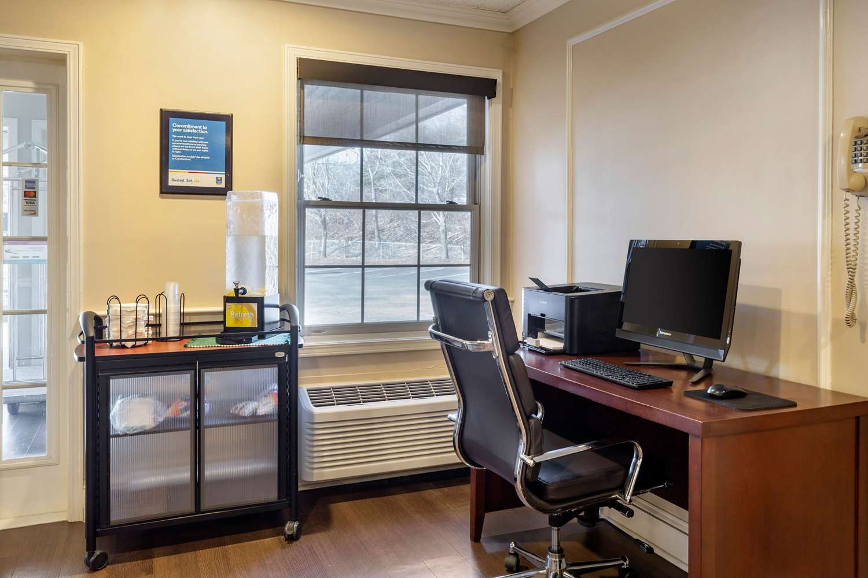 Conference Area - Comfort Inn Auburn