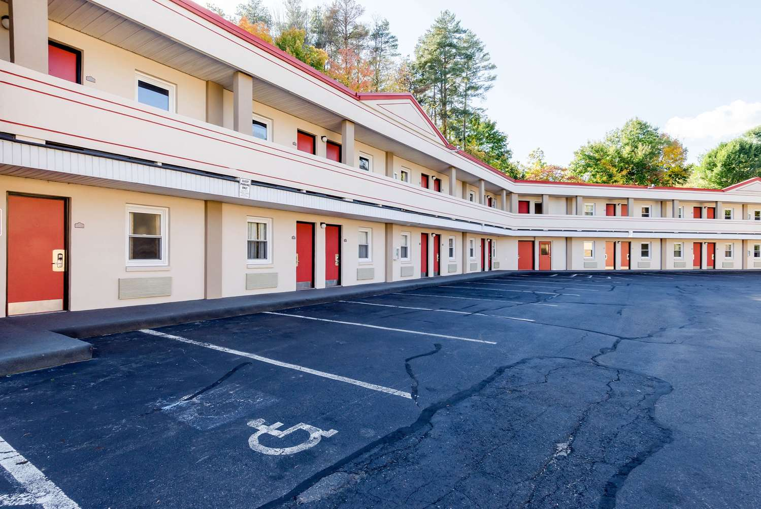 Exterior view - Econo Lodge West Springfield