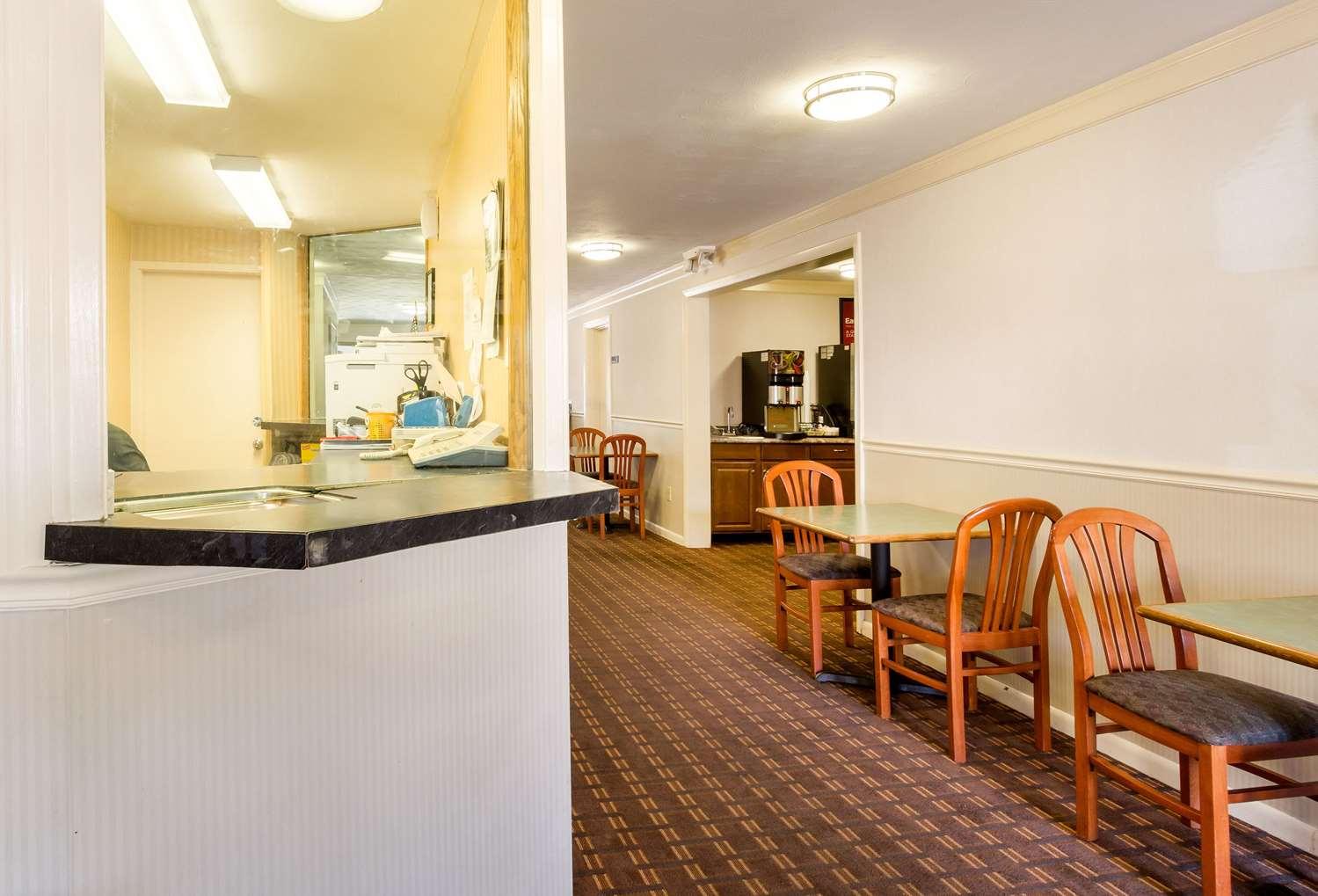 Lobby - Econo Lodge Malden