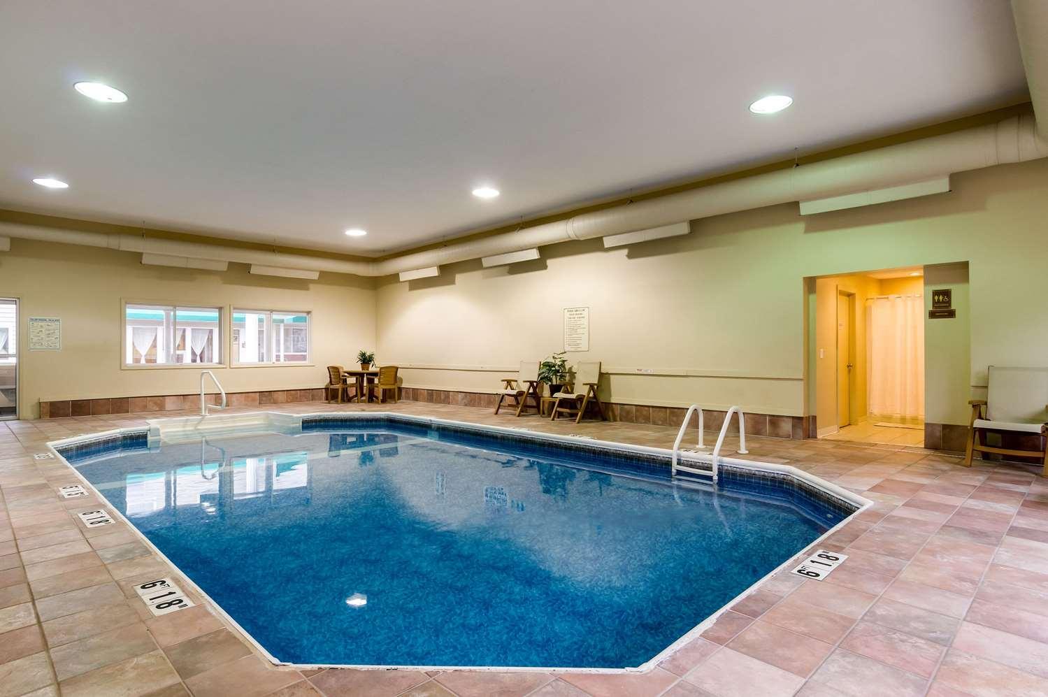 Pool - Rodeway Inn Hadley