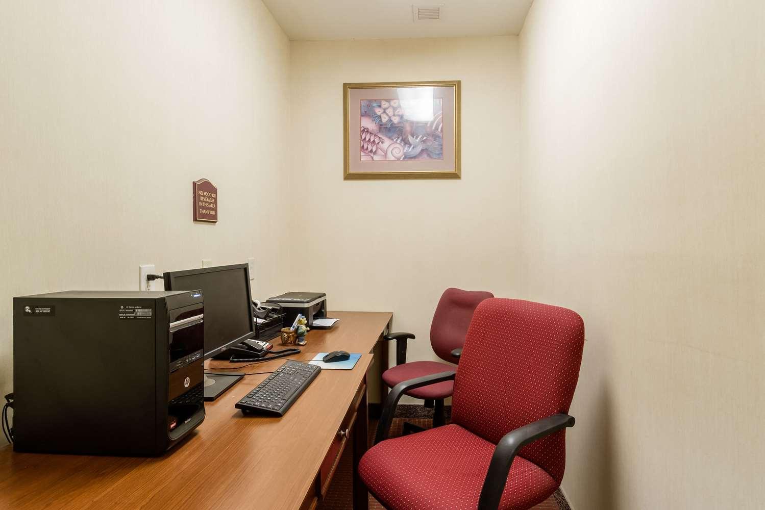 Conference Area - Rodeway Inn Hadley
