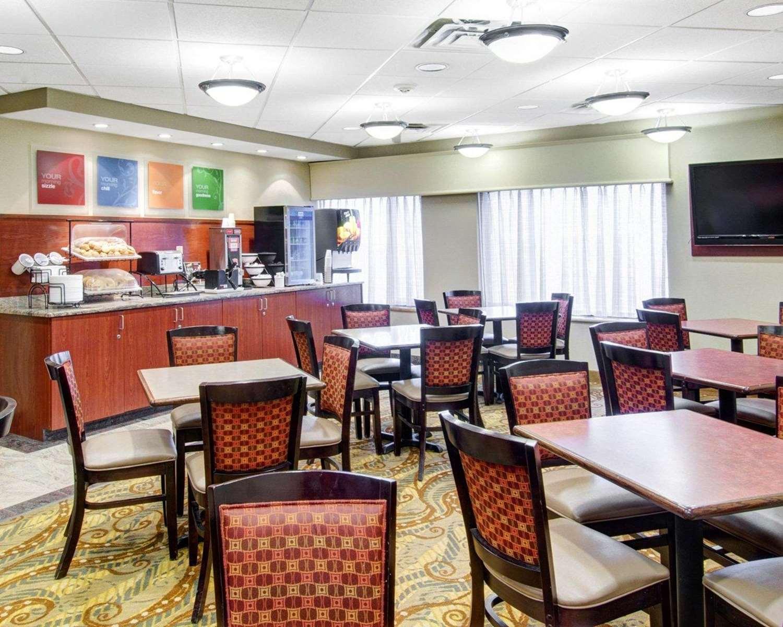 Restaurant - Comfort Inn Woburn
