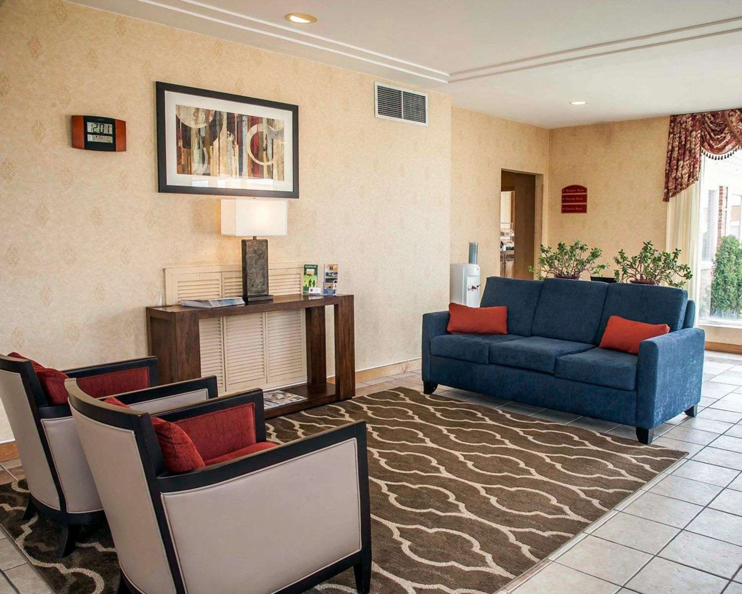 Lobby - Quality Inn Seekonk