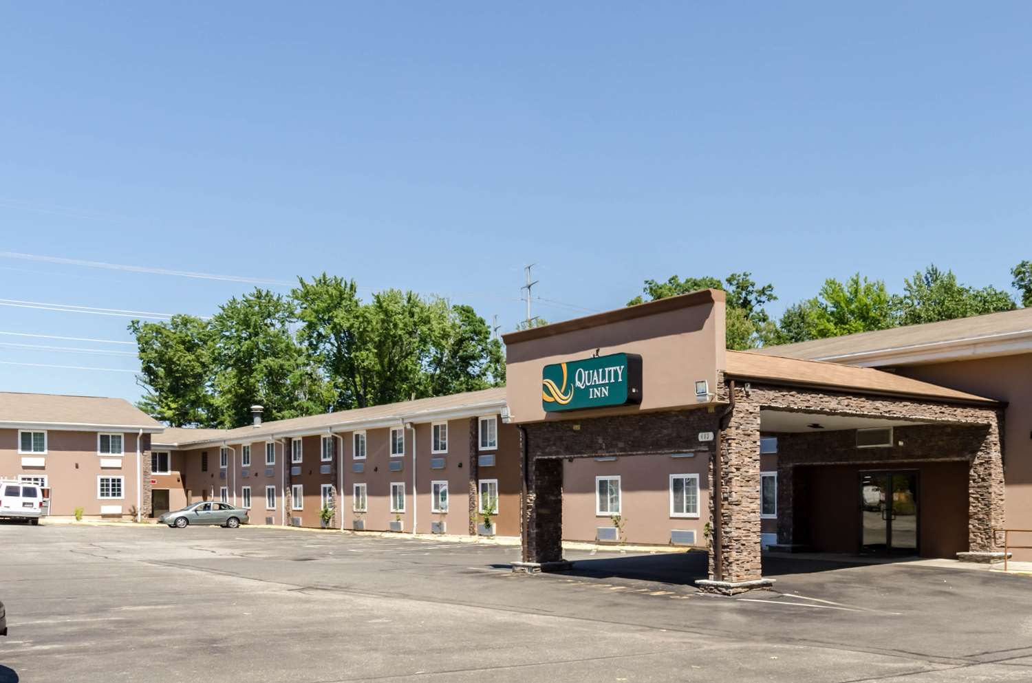 Exterior view - Quality Inn Chicopee